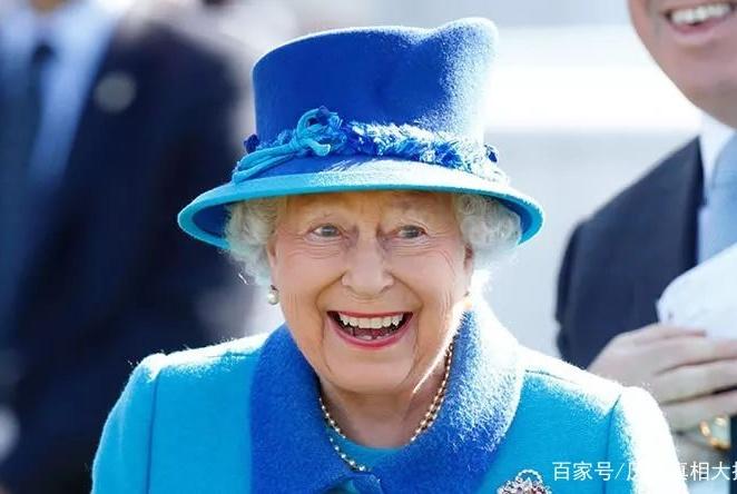 耗走13位首相,英国女王全年无休却依旧长寿?