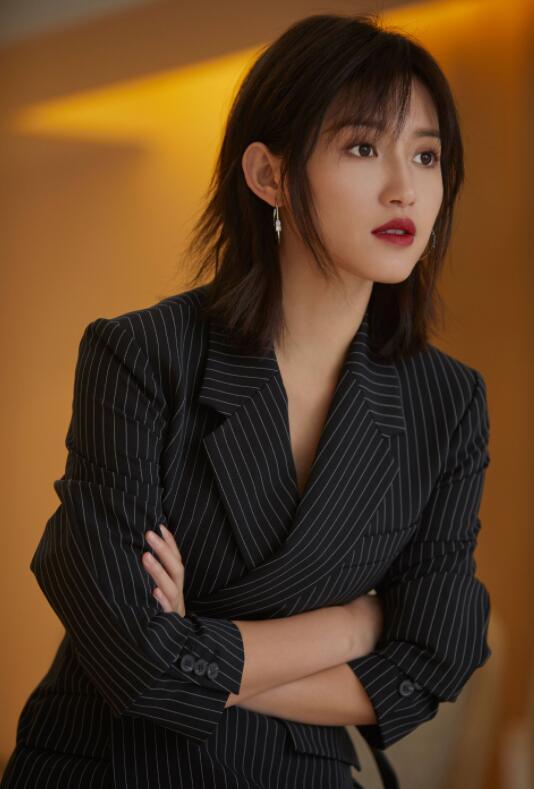 2019短发女发型图片
