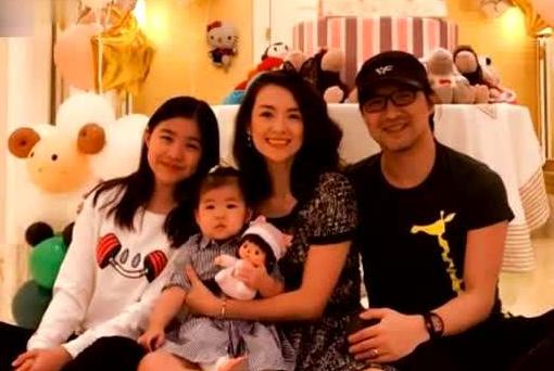 汪峰一共三个女儿,为何上节目只提小苹果醒醒,不说二女儿呢?
