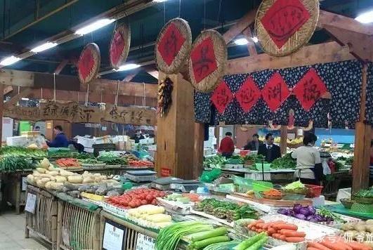 """湖北武汉最""""吃香""""菜市场,坐拥万千粉丝,本地人外地游客都很爱"""