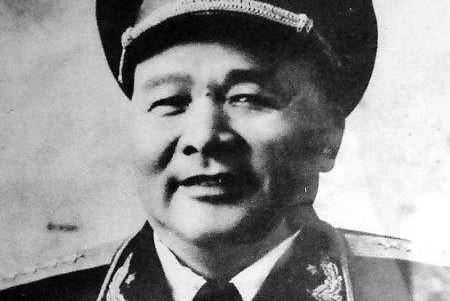 """徐海东小传:长期无缘战场,却被""""钦点""""为开国大将,并高居第二"""
