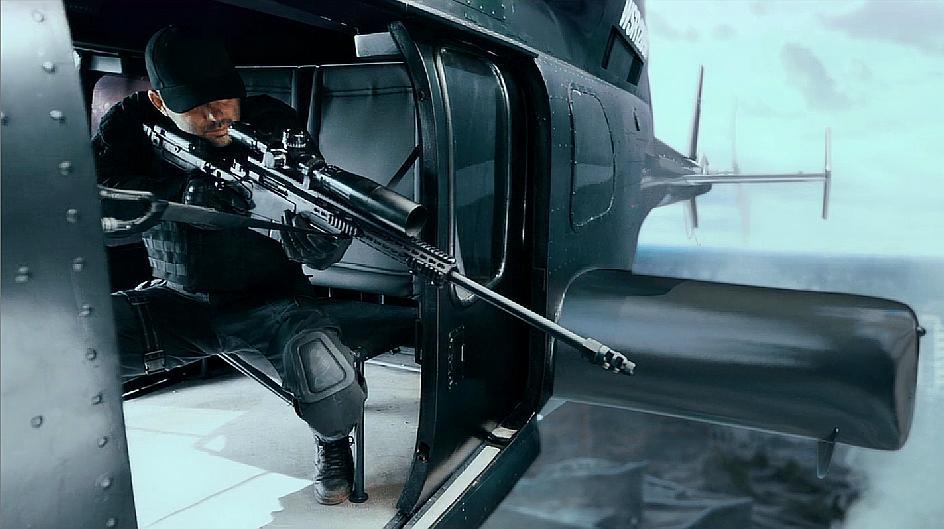 美国大片《天使陷落》几千架无人机追杀总统,数百名特工被炸飞