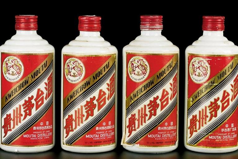 相同度数的白酒,为什么有的喝起来甘醇可口,有的却有些辣喉咙?