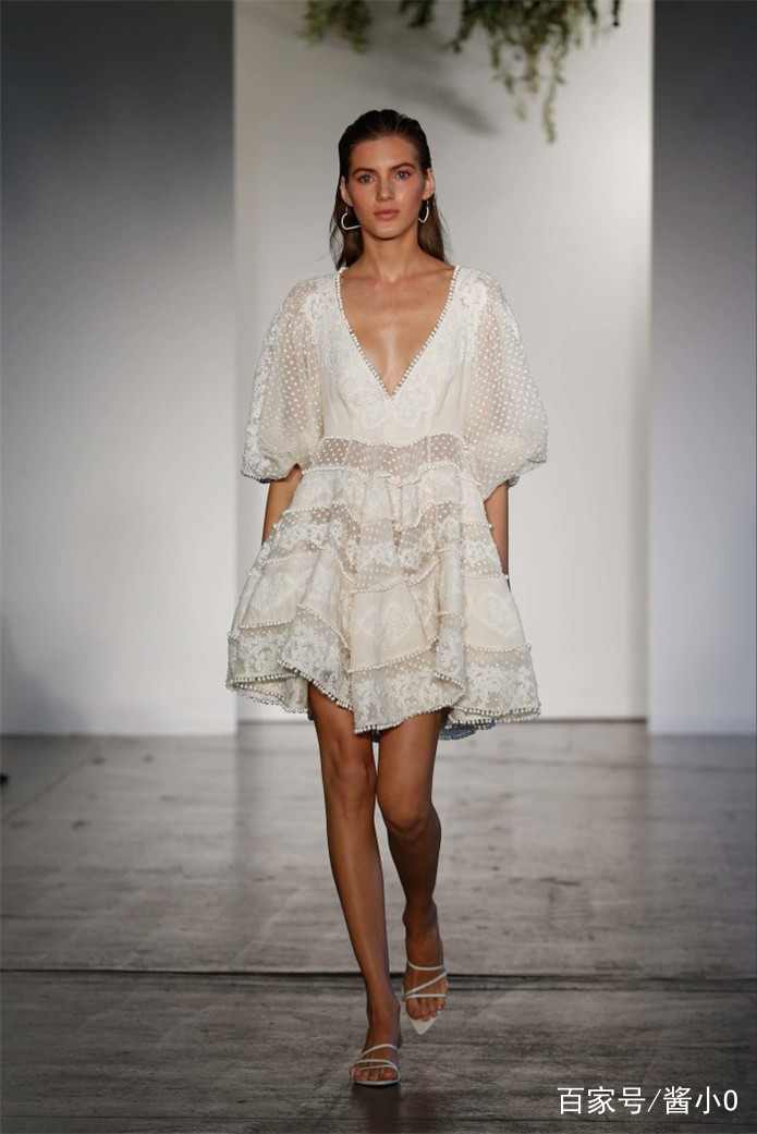 时装模特时尚穿搭,潮流感十足,美得不可方物.