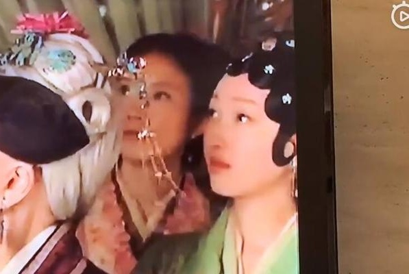 笑场没被剪掉!当年蒋梦婕在《新红楼梦》里的这段也太搞笑了吧!