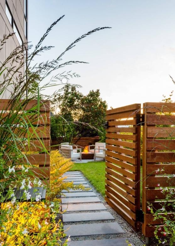 庭院防腐木围墙入口图片