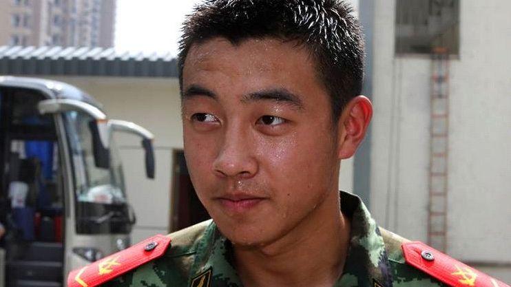 他在生死关头把仅有的一点氧气给了战友,壮烈牺牲,年仅22岁!