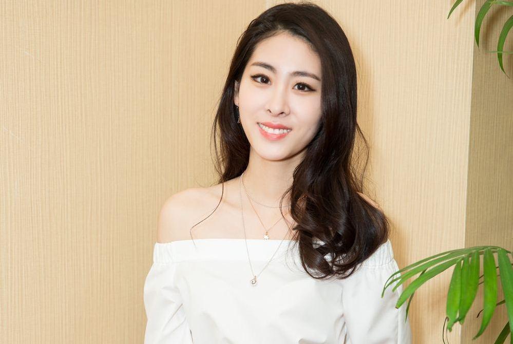 她是最励志粉丝!追星将自己追成当红歌手,如今还是赵丽颖闺蜜