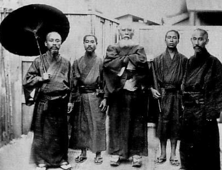 琉球人_清末琉球老照片:那时的琉球人穿汉服 为中国属地!