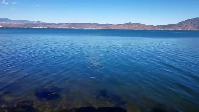 蓝天白云青山绿水,保护洱海就像保护我们的眼睛一样图片