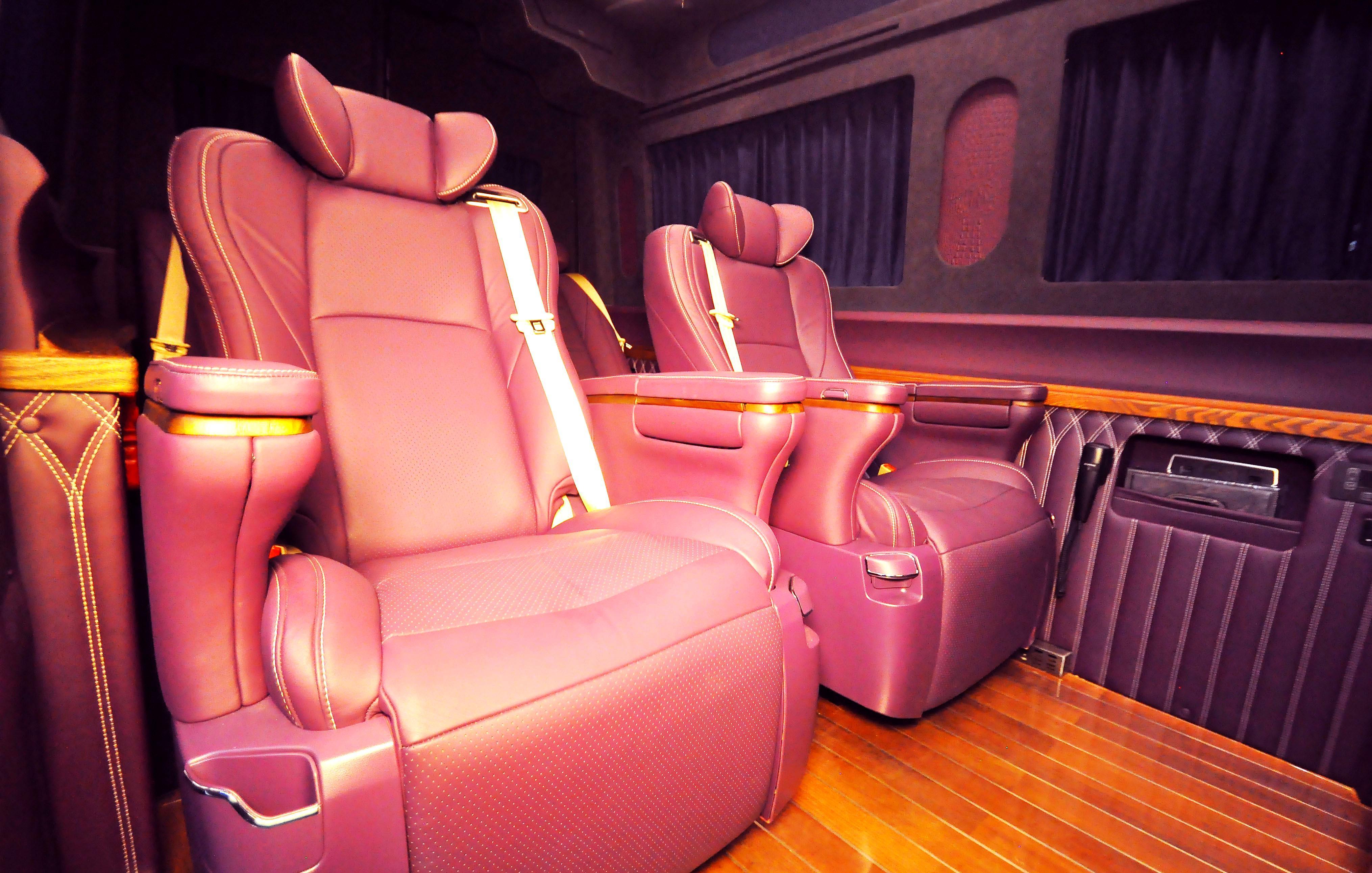 紫色奔驰斯宾特9座商务车,斯宾特紫气东来款!