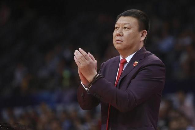 深圳队教练王建军称愿望是打回深圳,两位外援却带着行李去北京