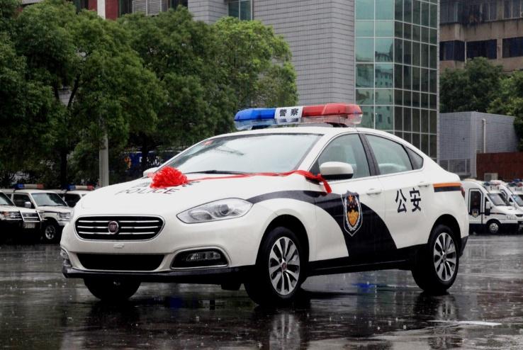 """中国警车迎来""""大洗牌"""",可以跟大众说再见了,车友:早该这么做"""