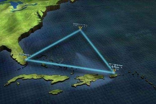"""探险家冒死潜入""""死亡海底"""",发现水下金字塔,比埃及早7000年"""