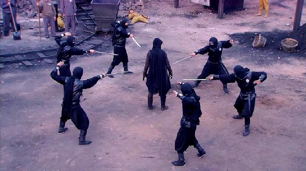 日本六大杀手围捕中国小伙,没想到小伙竟是绝世高手,场面太精彩