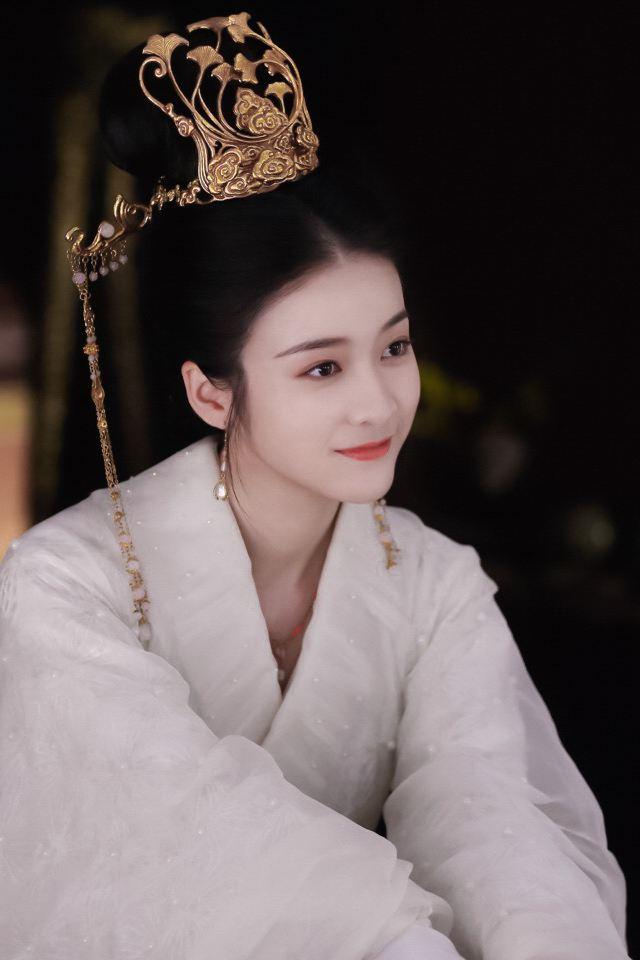 女renyin_\