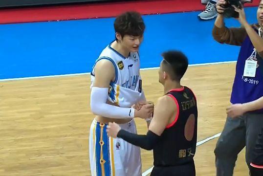 郭士强高度赞扬辽篮球员表现,晋级做好了3点,连说2个非常完美