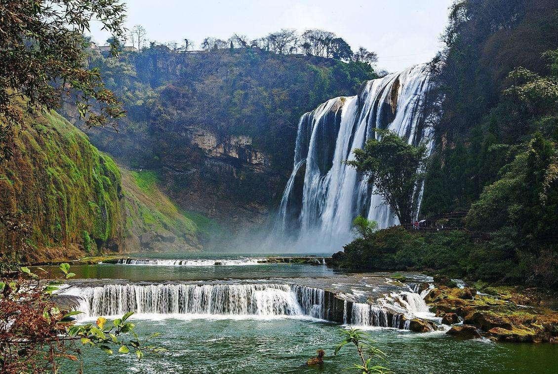 我国丹霞地貌上最大的黔中名瀑,仅次于黄果树大瀑布的第二大瀑布