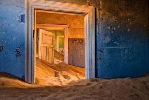 """被人们遗弃的地方,变成""""鬼城"""",却成为摄影爱好者的旅游胜地?"""