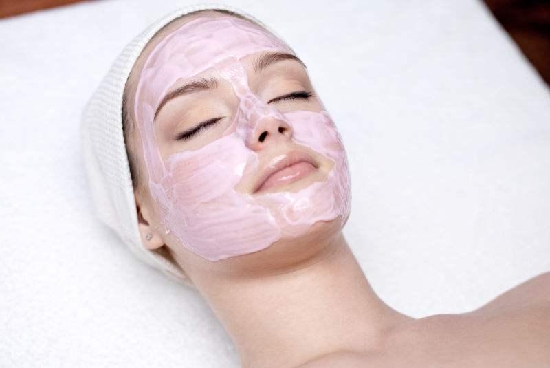 三七粉加它是一宝,每天睡前抹抹脸,美白肌肤又淡斑