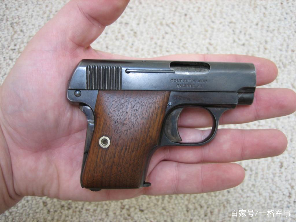 由于这把手枪个头不是很大,也具有很强的隐蔽性,所以很受大家喜欢
