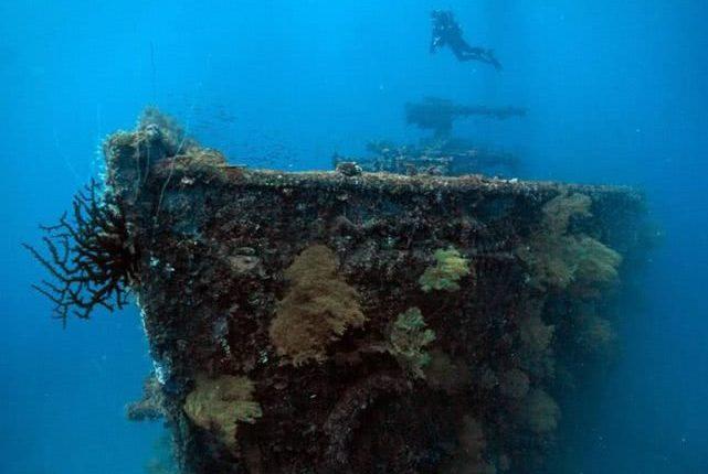 这座湖深藏一支日本幽灵舰队:50艘军舰250架飞机7000士兵