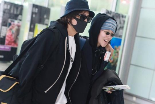 陈坤与窦靖童一同现身机场,二人罕见同框搭肩热聊,画面超亲密