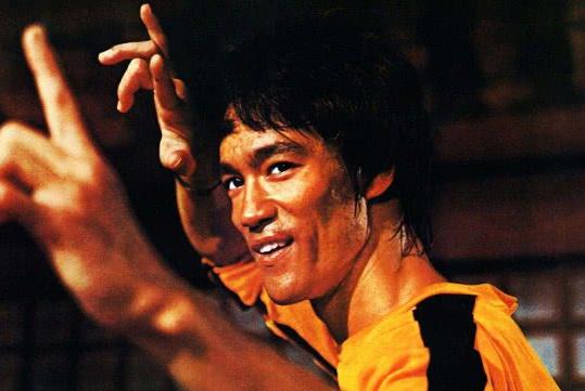 珍贵影像!50年前,李小龙接受采访声称:太极拳是老年人的舞蹈