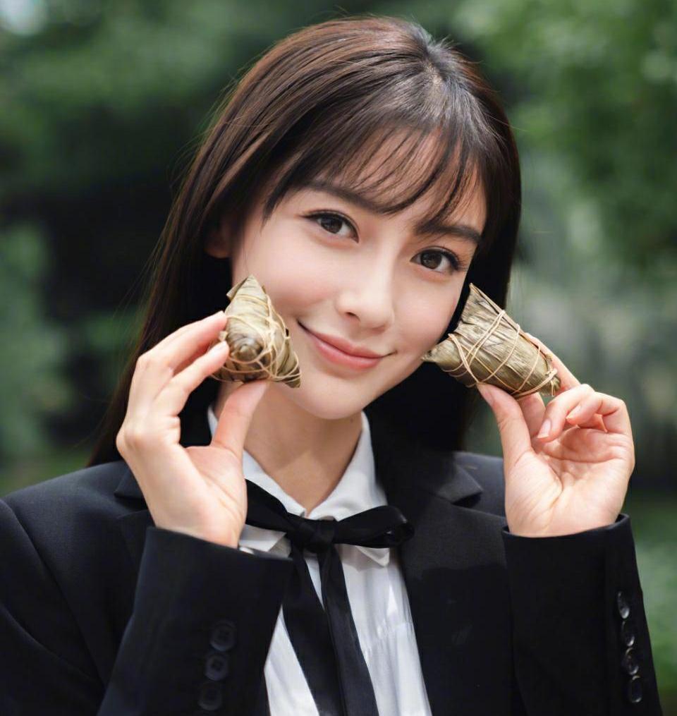 论齐刘海的重要性,杨颖齐刘海减龄10岁,网友:get到了!图片