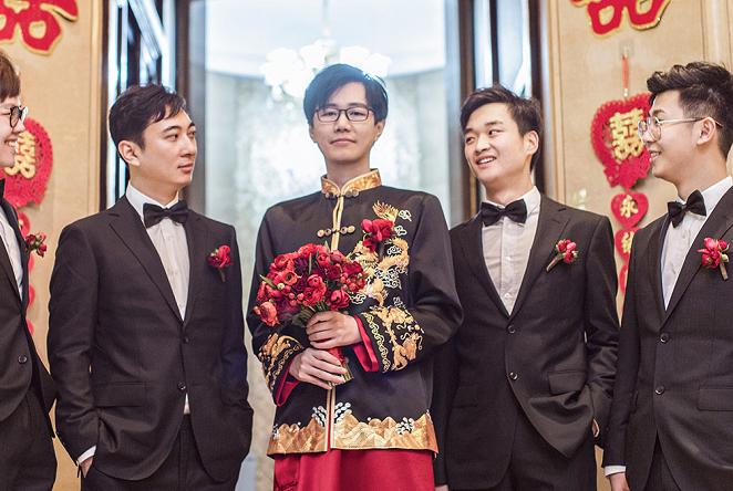 伍声婚礼细节曝光,王思聪当伴郎不小心抢了风头,伴娘都跟他合影