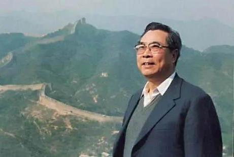 著名诗人李瑛因肺部感染去世