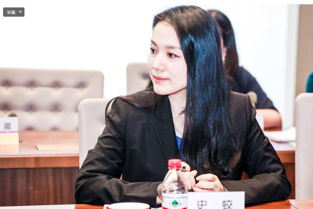 北京大学超美女教授,人缘极好,颜值不输女星,一心科研强国
