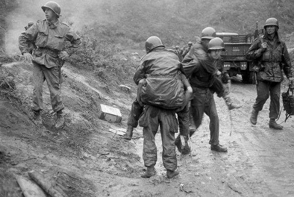 这个华人加入美军与中国军队作战,亲历美国陆军最大惨败