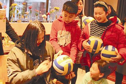 给女排小宇宙点赞 龚翔宇为家乡响水爆炸事故伤者捐赠爱心早餐