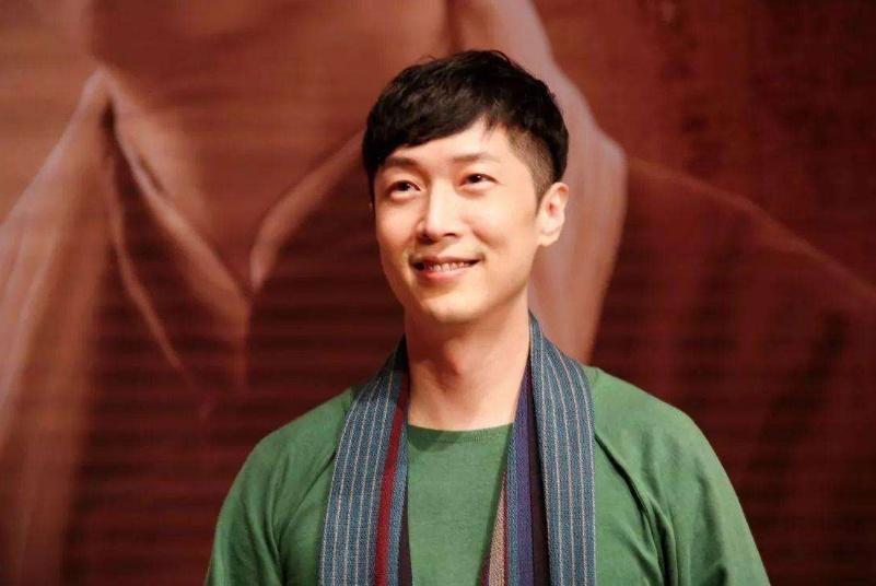 """他是""""TVB最惨小生"""",出道就得罪三大天王,如今进北大继续深造"""
