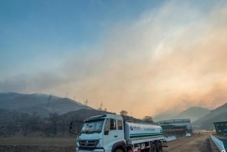 山西沁源发生森林大火