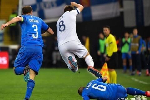 意大利队有了新版巴神,那一脚射门告诉曼奇尼他不会思考人生