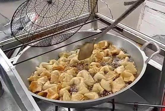 """45岁大姐把""""饺子""""做成这样卖,30块一斤,3小时就卖40斤!"""