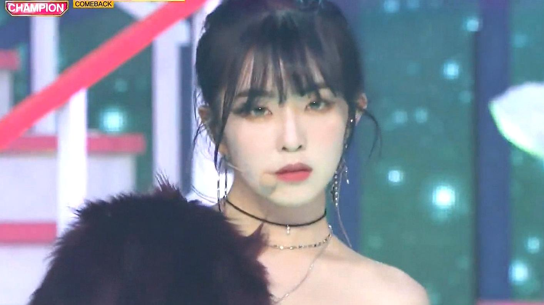 Red Velvet《Bad boy》打歌舞台你见过吗?台风很独特,很抓眼球