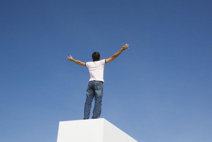一个男人开始变强大的四种表现,坚持下去,定能事业有成