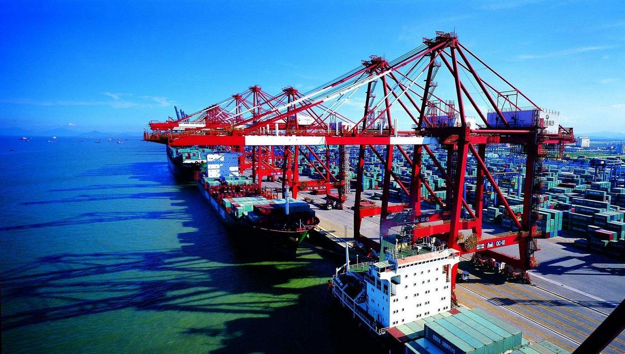 航运资讯:钦州港再现搁浅事故,广州港首开美东航线