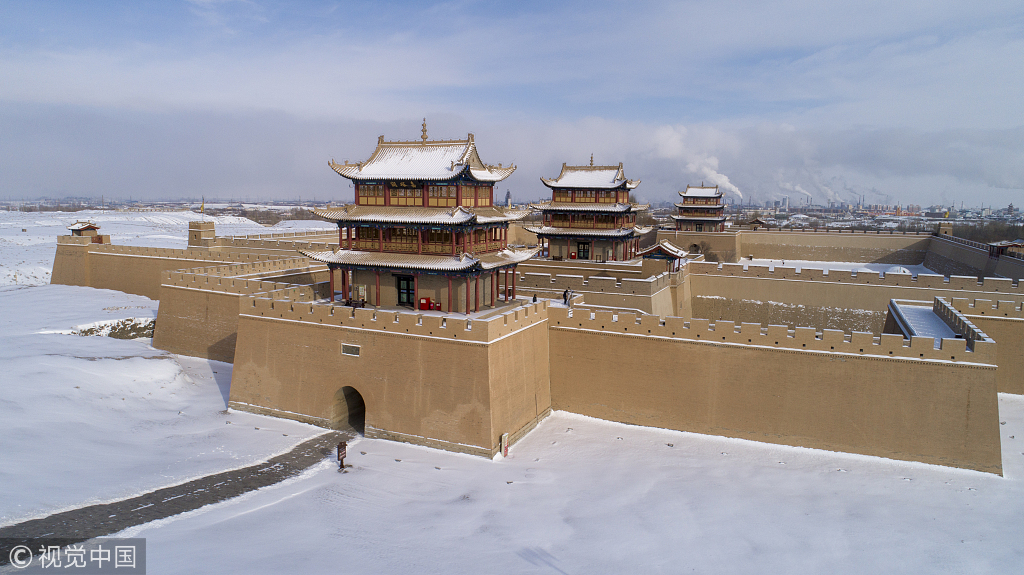 2018年12月22日,甘肃嘉峪关长城大雪后风景美如童话.