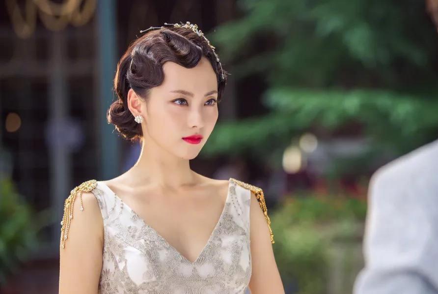 为何张嘉倪嫁给买超多年,至今却依然称呼婆婆为阿姨?