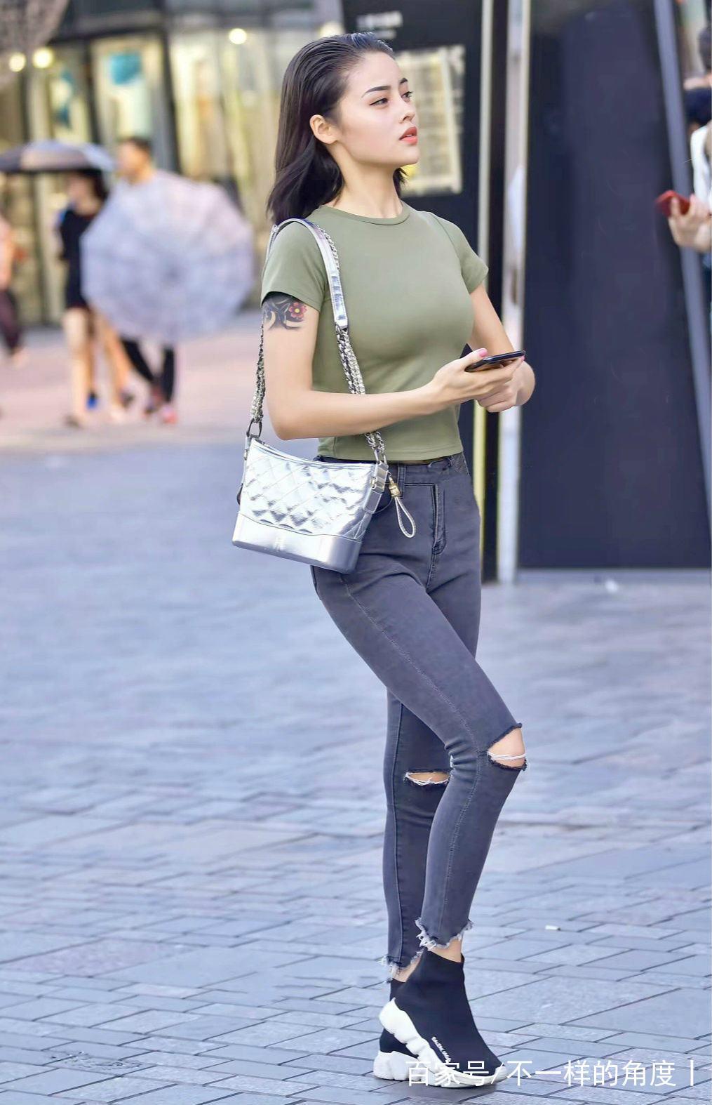 穿搭要时尚,牛仔裤装扮就是美图片