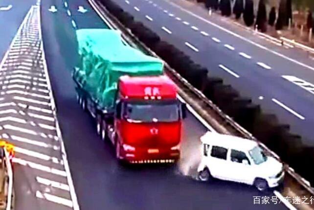 大货车让速不让道,故意不踩刹车碾压小汽车,是行业规则?
