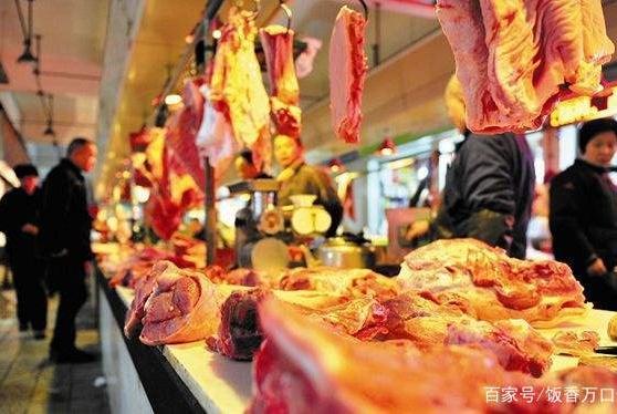 """为啥肉贩卖肉有的""""挂着""""有的""""摆着""""?看了这些,觉得涨知识了"""
