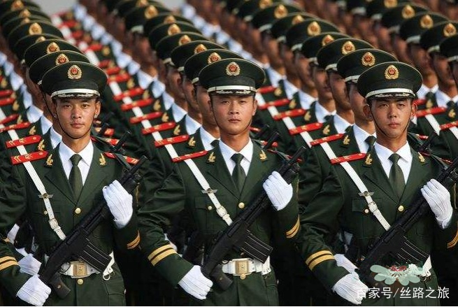 印度揭露中国大阅兵:人类做不到这么整齐,全是电脑合成