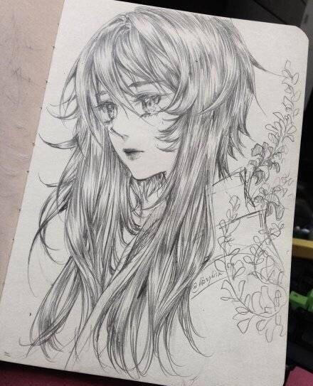 铅笔手绘,动漫人物线稿,头发画的很赞