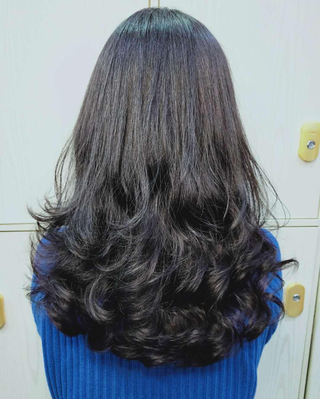 一些中长发好看的发型,烫完自然飘逸显气质,过年发型图片