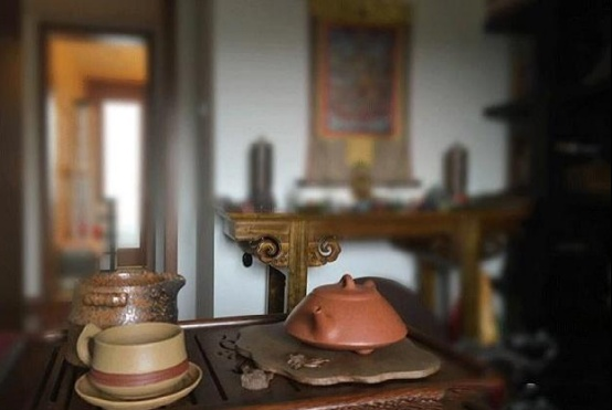 薛佳凝晒出自己的豪宅:家里堆了好多化妆品,作为女人真幸福